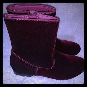 Girls VeLvet boots size 3 in Burgundy.